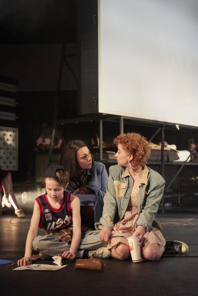 Mary Page mit ihren Kindern Louis und Wendy